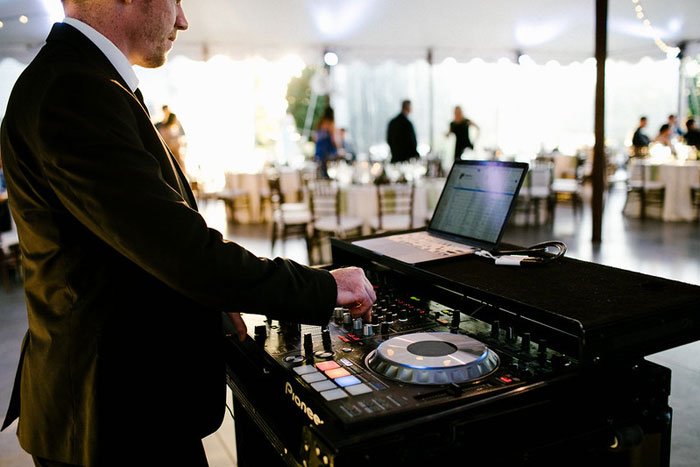 Dj Vendor at Springton Manor Farm Wedding